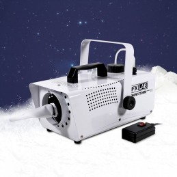 Machine artificial snow...